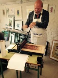 Student Peter is working on his Mono Type Print